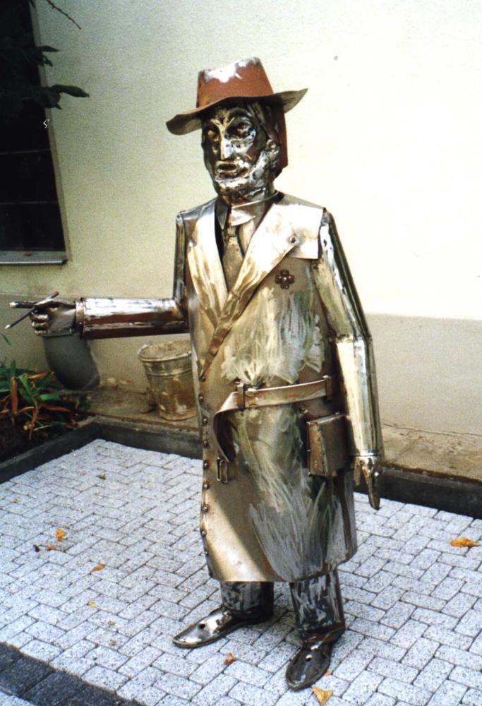 Stahlfigur ( Kunstobjekt )