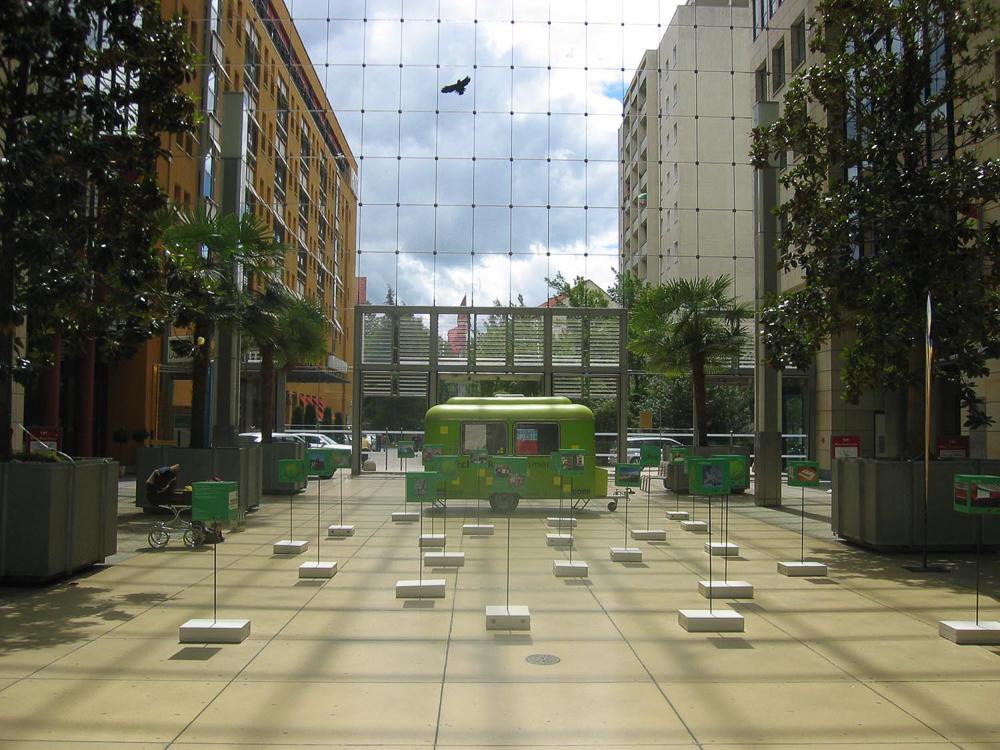 Werbestelen Word Trade Center